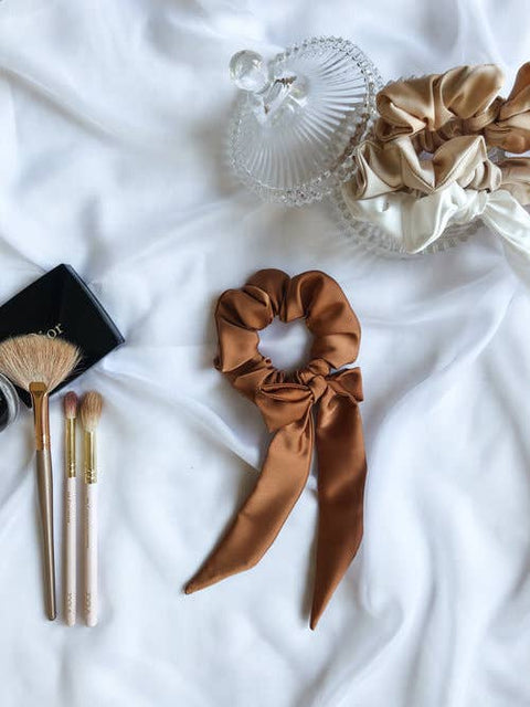 Evelina Apparel - Scrunchie and Bow