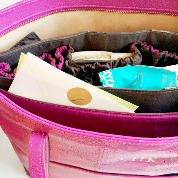 keeping documents flat in purse