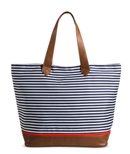 I love this bag so much! It comes in eight colors and patterns which is  always a plus. The cool thing about this bag is that you can unzip the  bottom if ... 777533d74