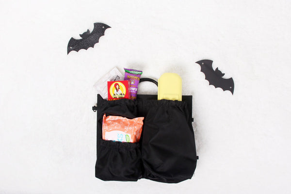 "<img src=""//cdn.shopify.com/s/files/1/0663/5893/files/large-img_4348_1_grande.jpg?v=1506747305"" alt=""trick or treating, totesavvy, what to pack for trick or treating, halloween"" />"