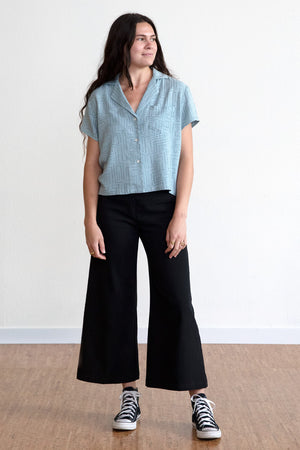 Labyrinth Cropped Button Up Blouse - Aqua