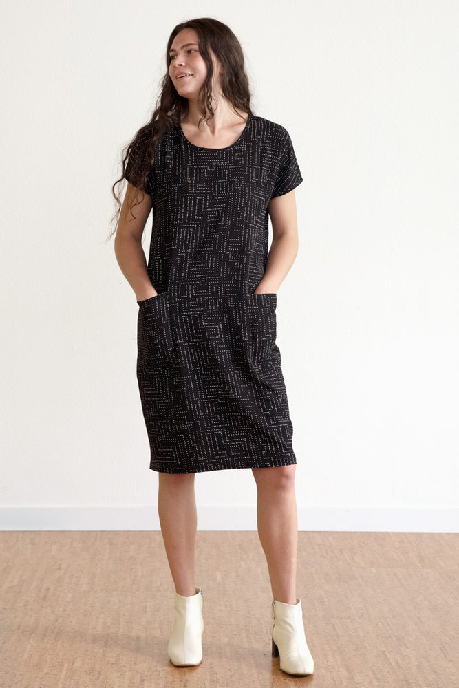 Labyrinth Cocoon Dress - Black