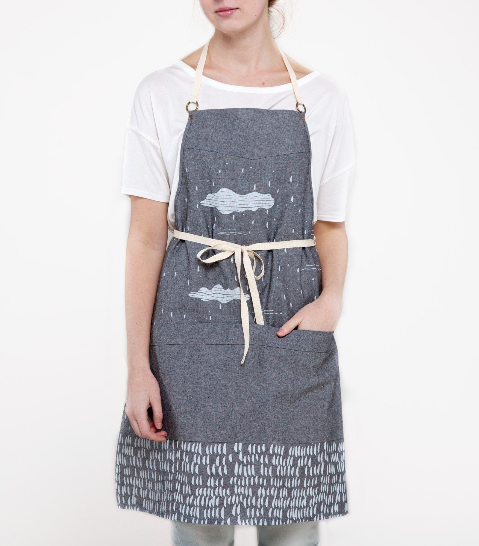 products/clouds-apron-taylor-ss16.jpg