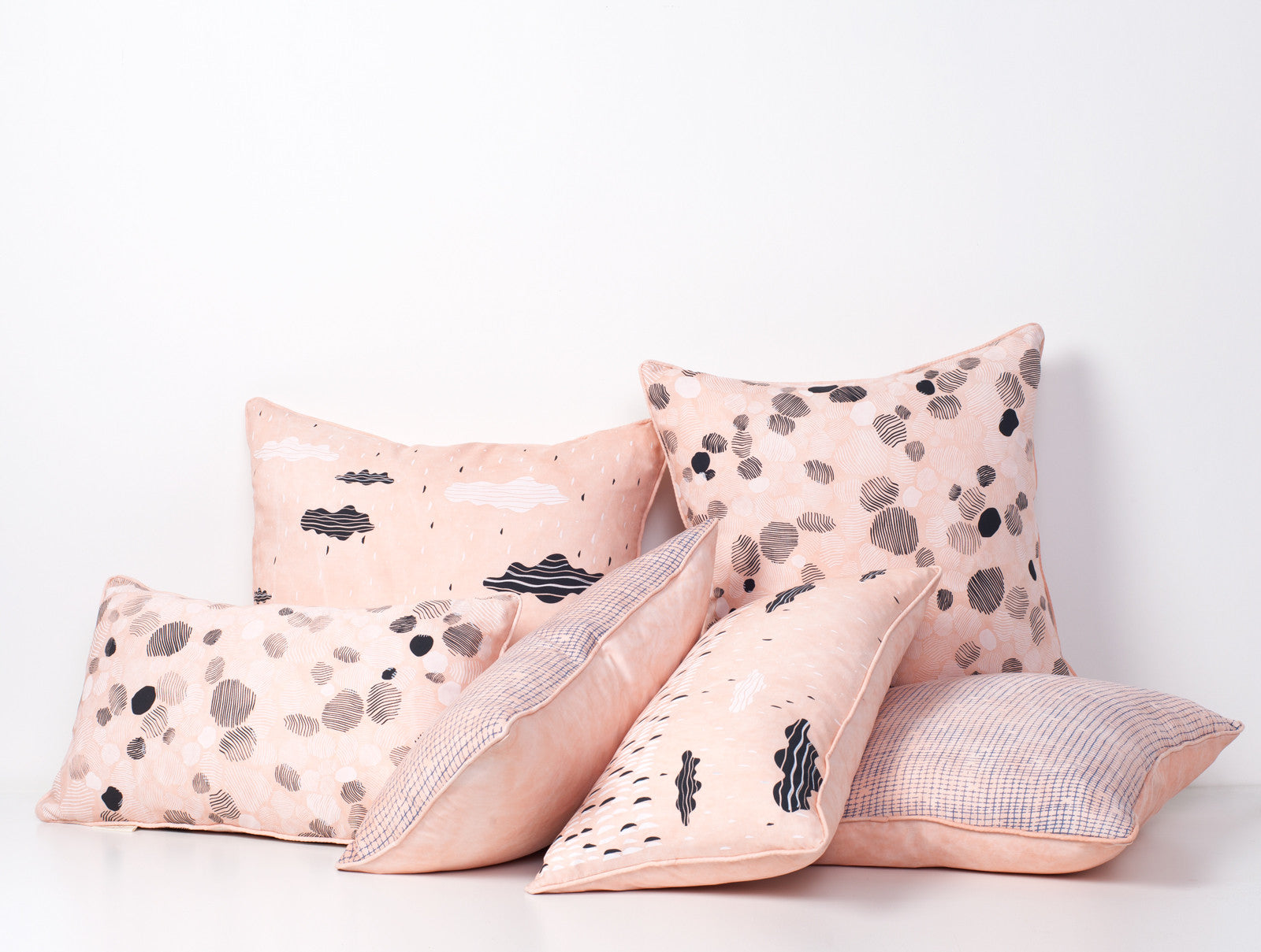 products/salmon-tencel-pillow-party.jpg