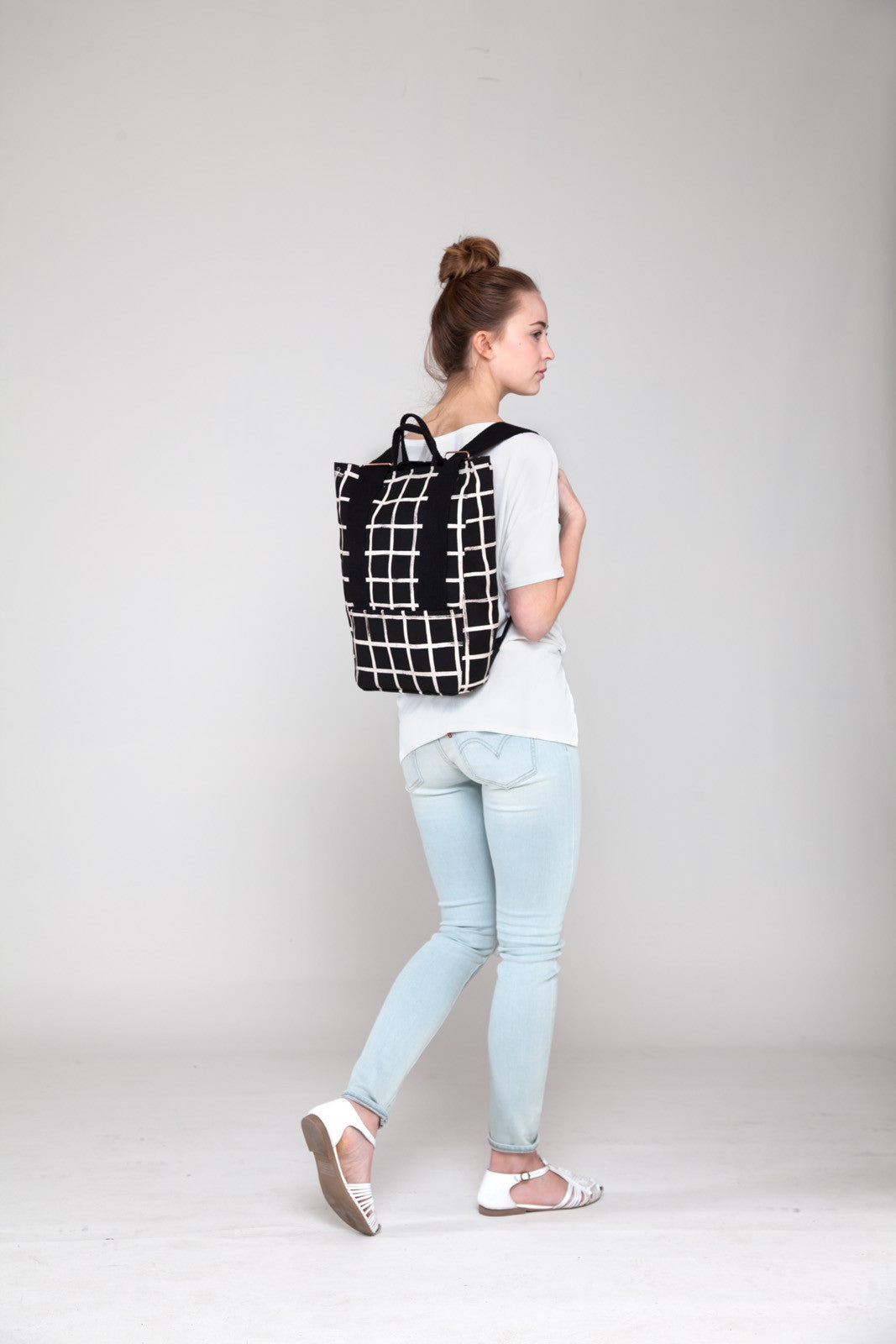 products/taylor_grid_backpack_ss16.jpg