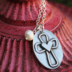 The Vintage Pearl Pewter Necklace | Cross My Heart