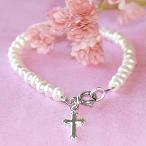 "6"" Children's Freshwater Pearl Bracelet with Cross Charm"