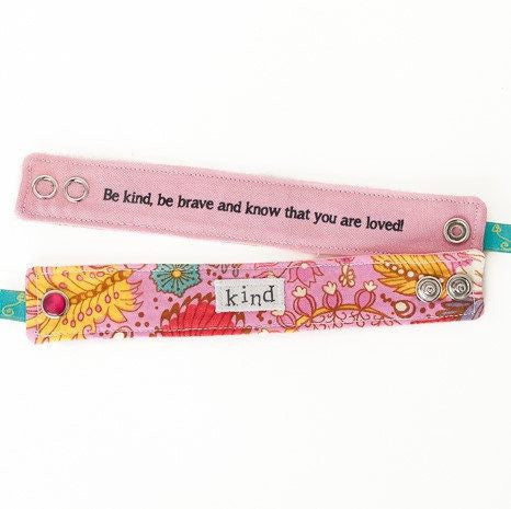 Children's Secret Message Blessing Bands | Kind | Be Kind, Be Brave, and Know That You Are Loved