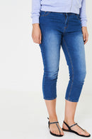 Crop Jeans in Washed Blue
