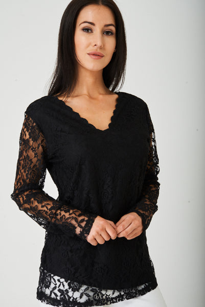Lace Scallop Neck Top in Black