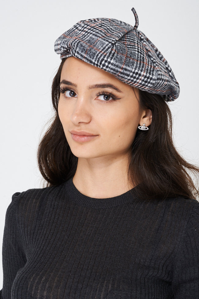 Checked Beret-Fabulous Bargains Galore