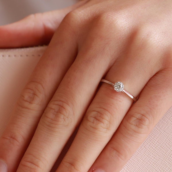 Solitaire Ring with 0.2ct Diamonds in 9K White Gold