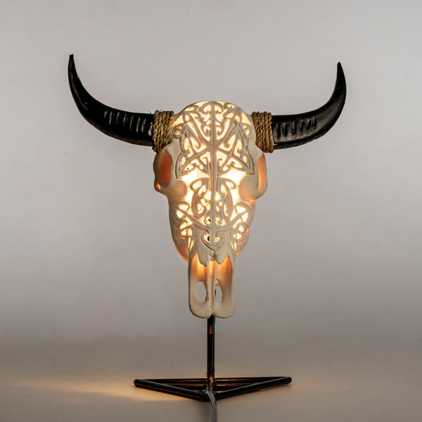 Skull Lamp - White Arrows