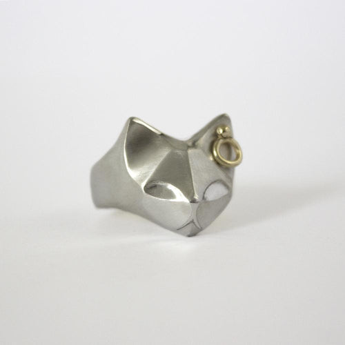 ELINA GLEIZER  Jewelry Cat Ring with a Gold Earring