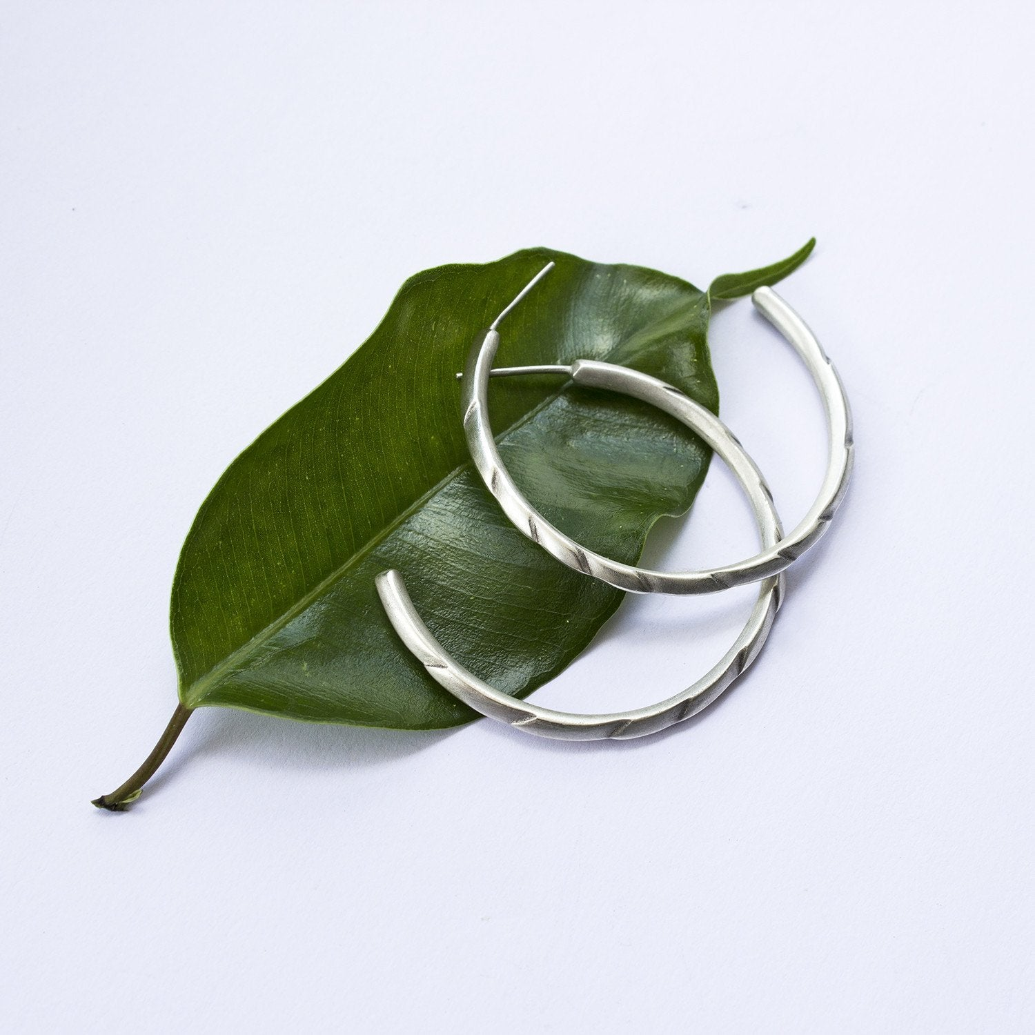 ELINA GLEIZER  Silver Armadillo Hoop Earrings
