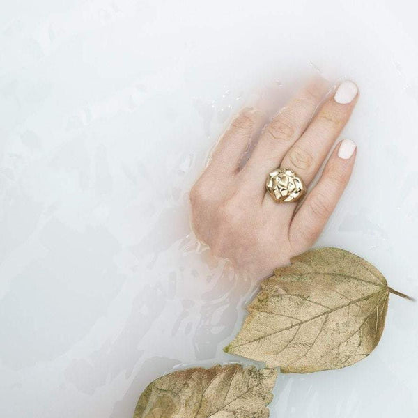 ___ Gold Lion Ring & Diamonds