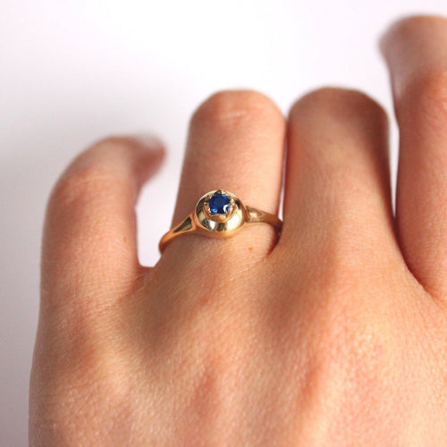 ___ Jewelry Gold Pomegranate & Sapphire Ring
