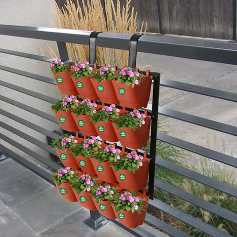 Plastic garden Pots - Vertical Gardening Pots With Metal Panel (16 Pots)
