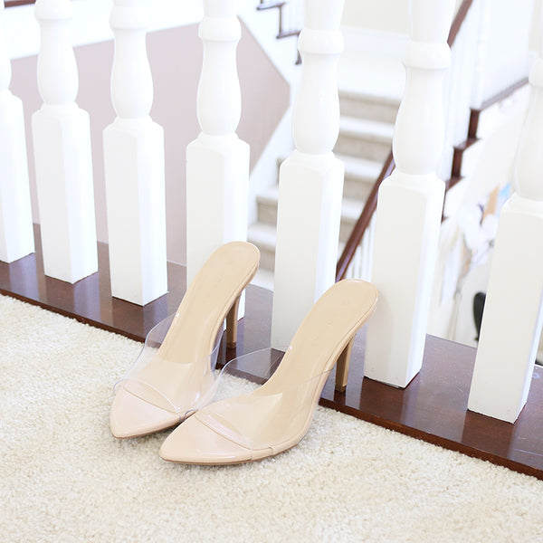 carmel-01A neutral clear vinyl heel mule