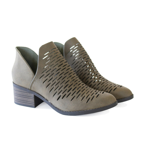 chalk-olive-alexia boots
