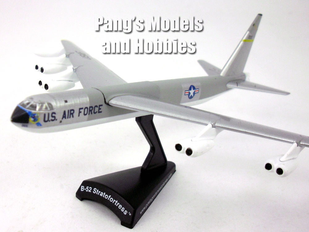 boeing b 52 buff stratofortress bomber silver 1 300 scale