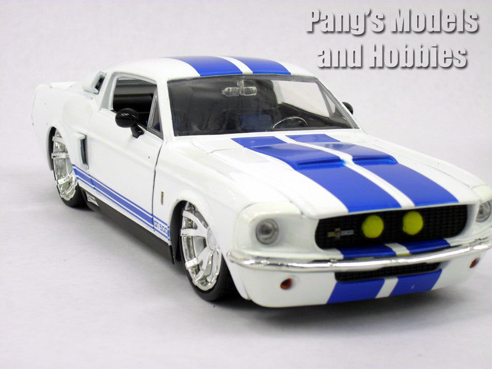 Shelby Mustang GT-500 1967 1/24 Scale Diecast Model by Jada