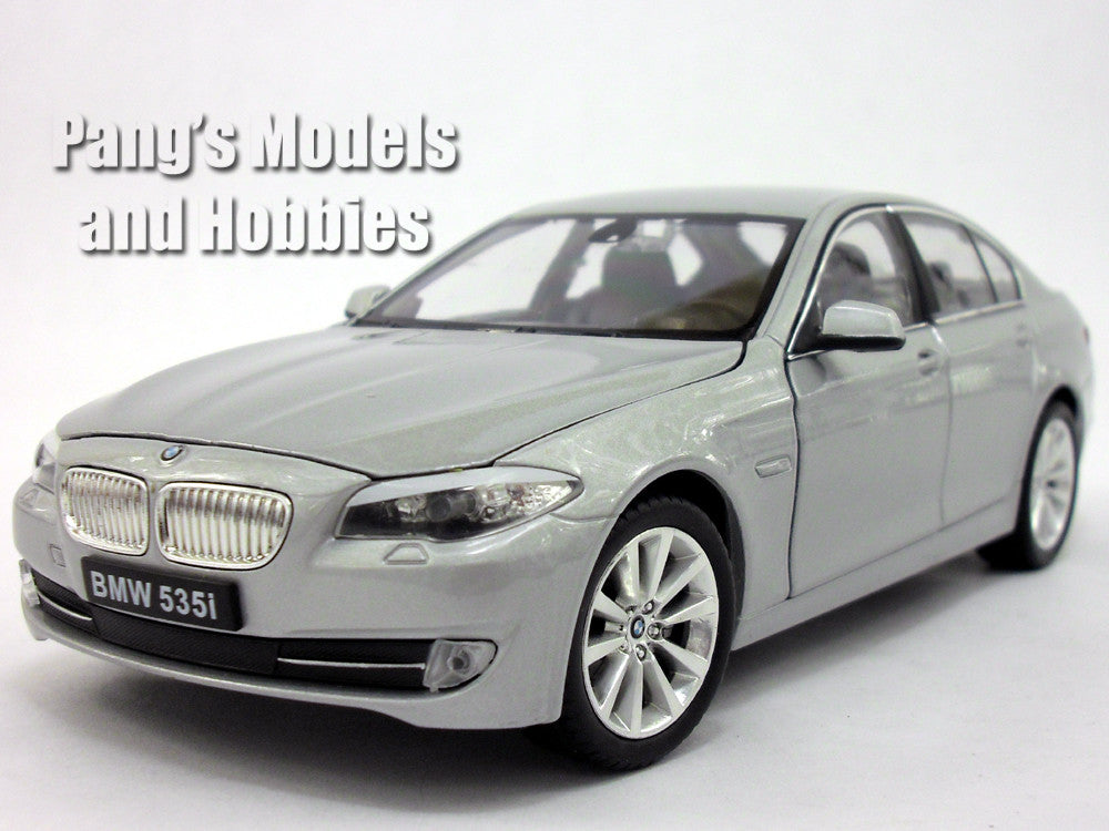 BMW 535i 1/24 Diecast Metal Model by Welly