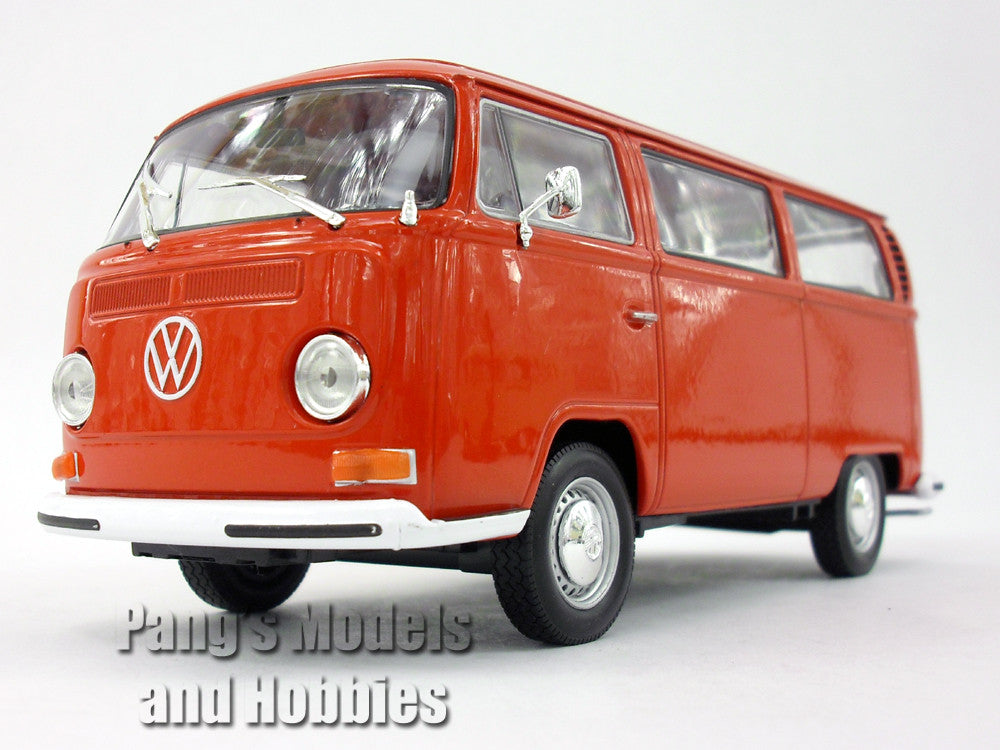 volkswagen vw t2 type 2 bus 1972 1 24 diecast metal model by welly pang 39 s models and hobbies. Black Bedroom Furniture Sets. Home Design Ideas