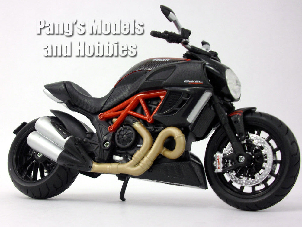 Ducati Diavel Carbon 1/12 Scale Diecast Metal Model Motorcycle by Maisto