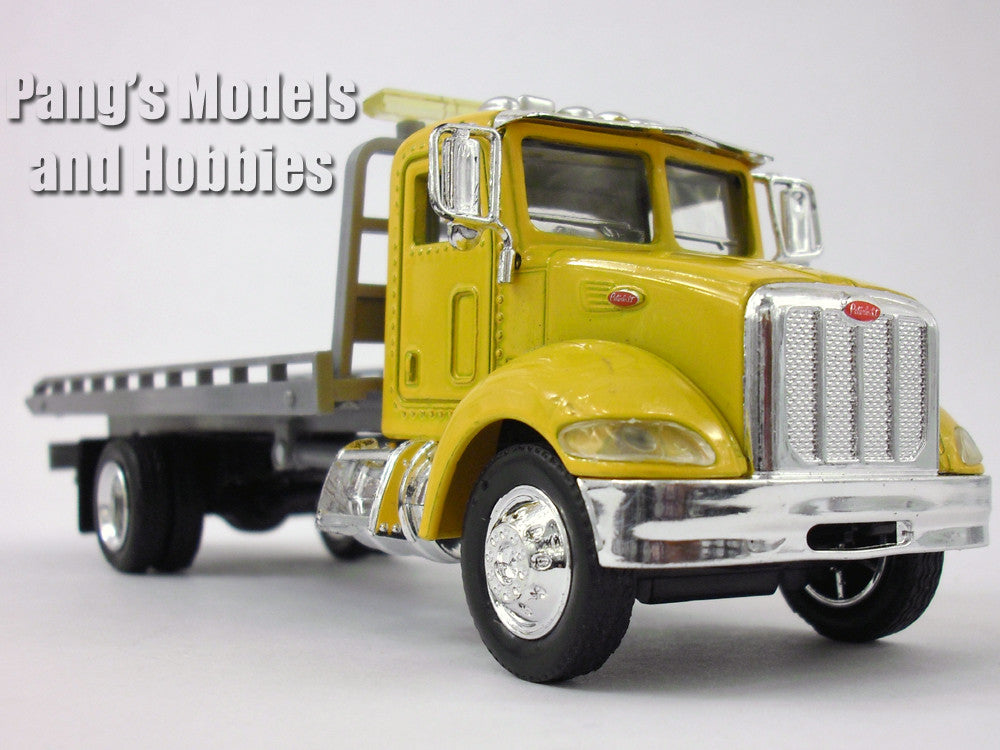 Peterbilt 335 Roll Off Platform Truck 1/43 Scale Diecast Metal Model by NewRay