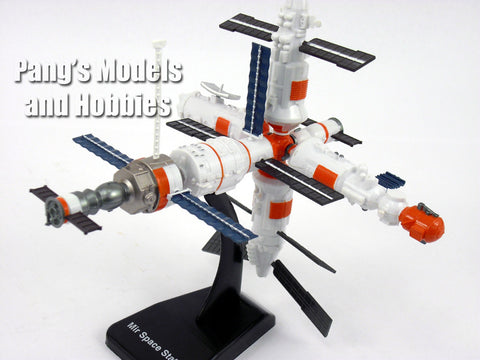 Mir Space Station Space Adventure Kit by NewRay - Assembly Required