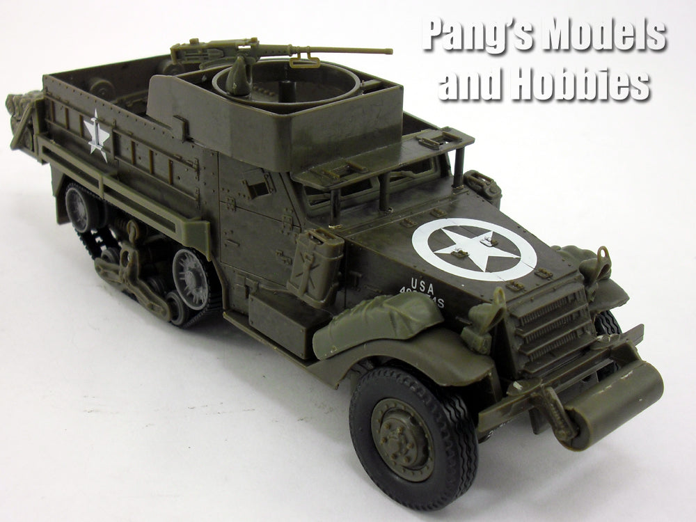M3 (M3A2) Half-track Armored Personnel Carrier (Kit, assembly required) 1/32 Scale Plastic Model