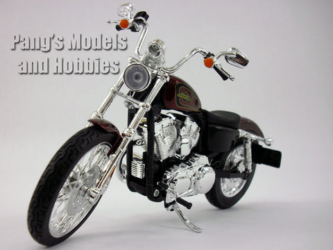 Harley - Davidson 2012 XL 1200V Seventy - Two Diecast Metal Model by Maisto