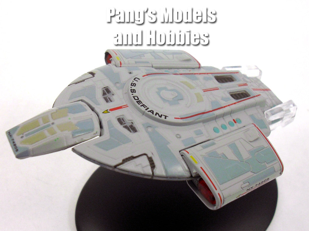 Star Trek USS Defiant Model and Magazine #9 by Eaglemoss