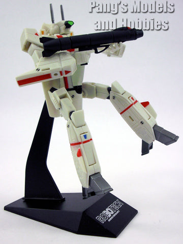 Robotech / Macross Transformable Veritech Fighter (VF-1J Rick Hunter)1/100 Scale Model by Toynami