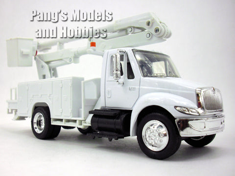 International 4200 Line Maintenance Truck 1/43 Scale Diecast Metal Model by NewRay
