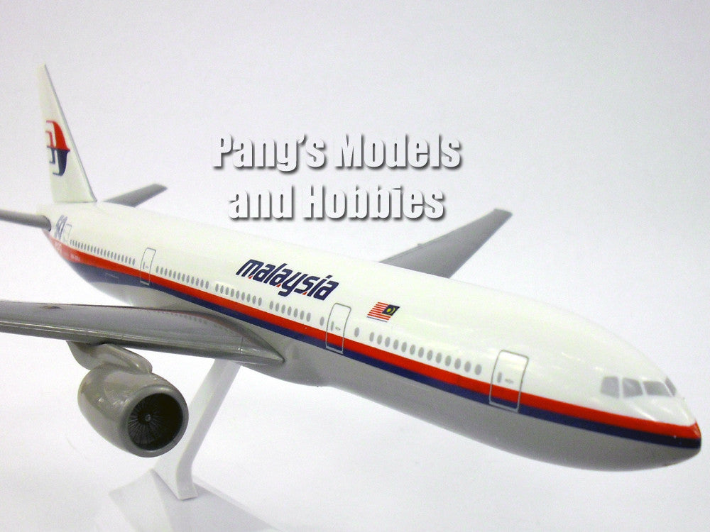 Boeing 777-200 Malaysia Airlines 50th Anniversary 1/200 by Flight Miniatures