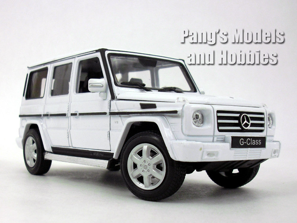 Mercedes G-Class / G-500 1/24 Diecast Metal Model by Welly - White