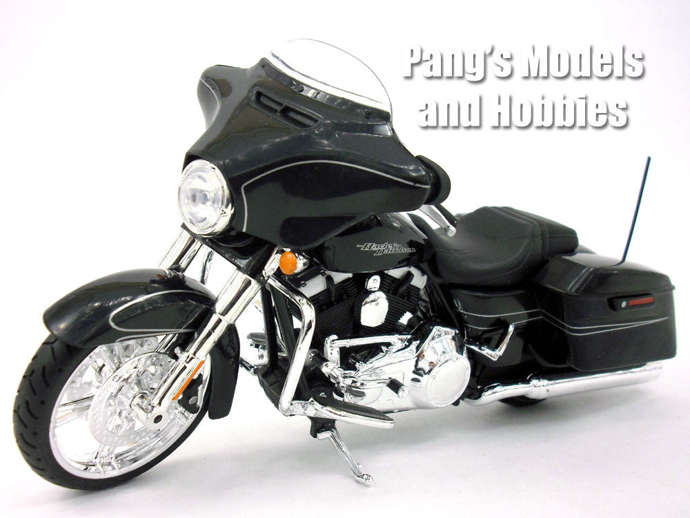 Harley - Davidson Street Glide Special 2015 1/12 Scale Diecast Metal Model by Maisto