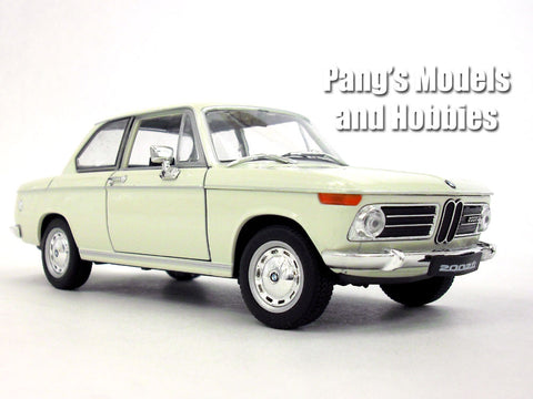 BMW 2002Ti - Cream - 1/24 Diecast Metal Model by Welly