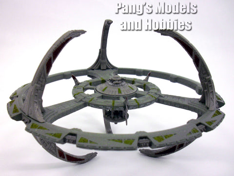 Star Trek Deep Space Nine (DS9) Space Station Diecast Metal Model by Eaglemoss - Special Issue