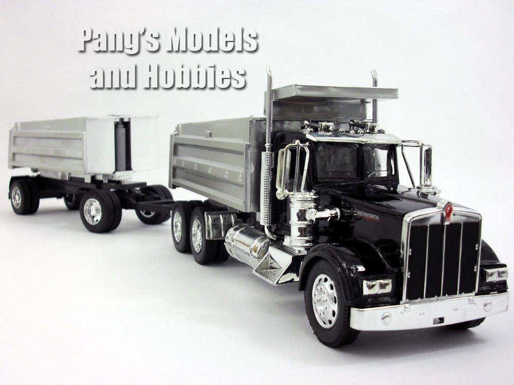 Kenworth W900 Double Dump Truck 1/32 Scale Model by NewRay