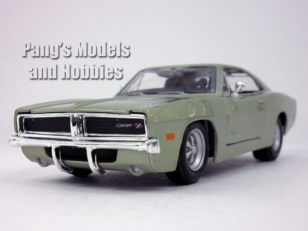 Dodge Charger R/T (1969)  1/25 Scale Diecast Metal Model by Maisto