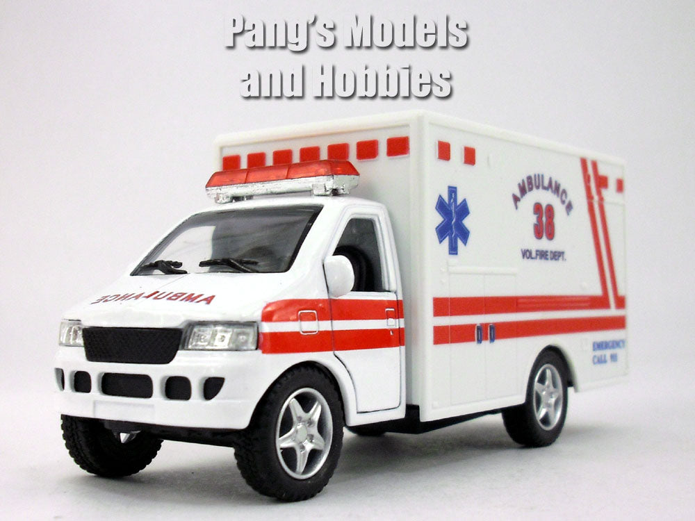 5 Inch Ambulance Model by Kinsfun