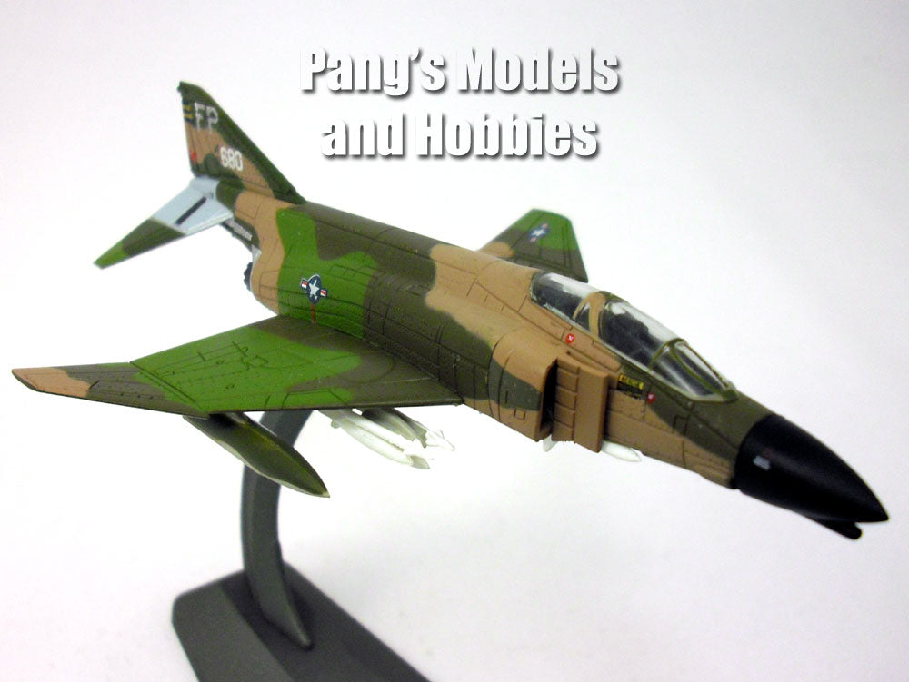 McDonnell Douglas F-4 (F-4C) Phantom II  1/144 Scale Diecast Mode by Air Force 1