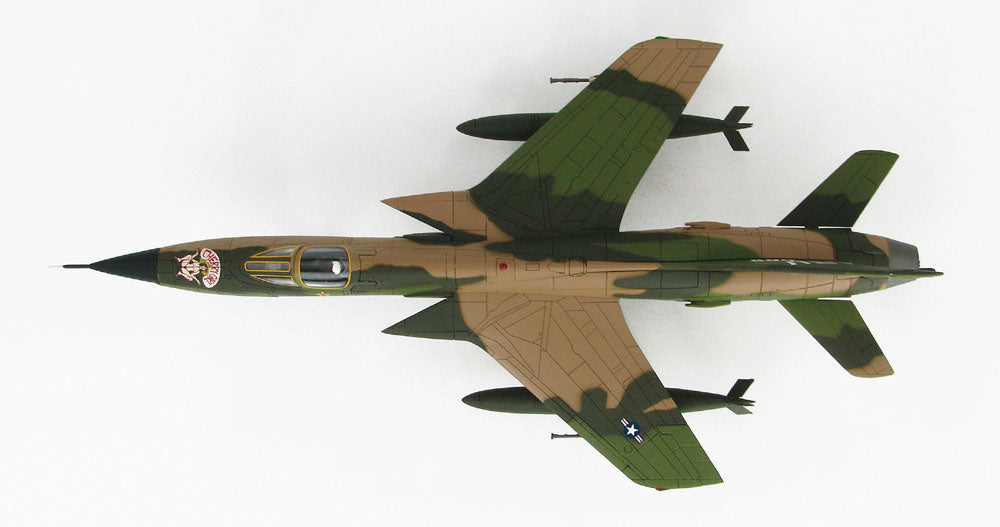 Republic F-105 Thunderchief Fighter Bomber - USAF 1/72 Scale Diecast Metal Airplane by Hobby Master