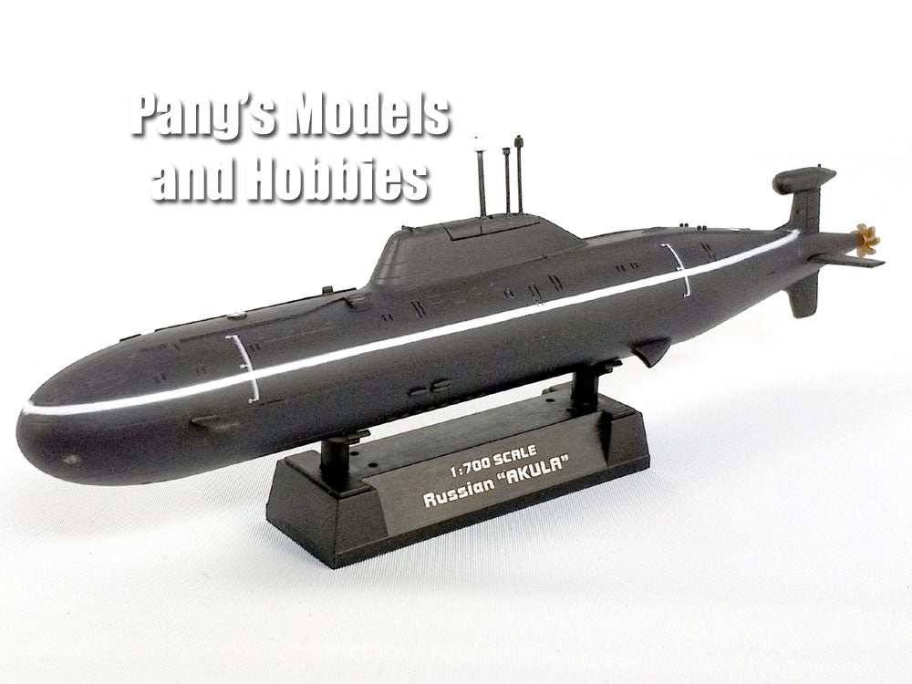 Russian Akula Class Submarine 1/700 Scale Plastic Model by Easy Model