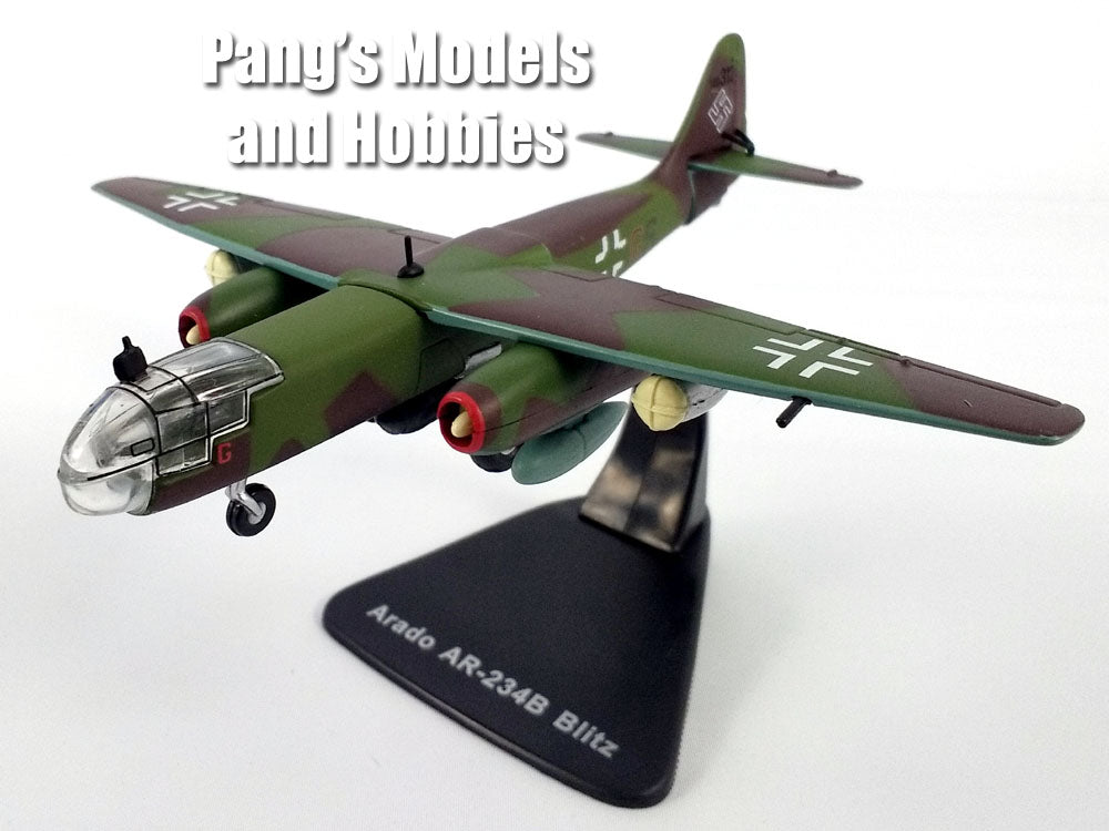Arado Ar-234 (Ar 234) Blitz German Luftwaffe Bomber 1/100 Scale Diecast Model by Atlas