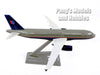 Airbus A320-200 (A320) United Airlines - Grey Livery 1/200 Scale Model by Flight Miniatures