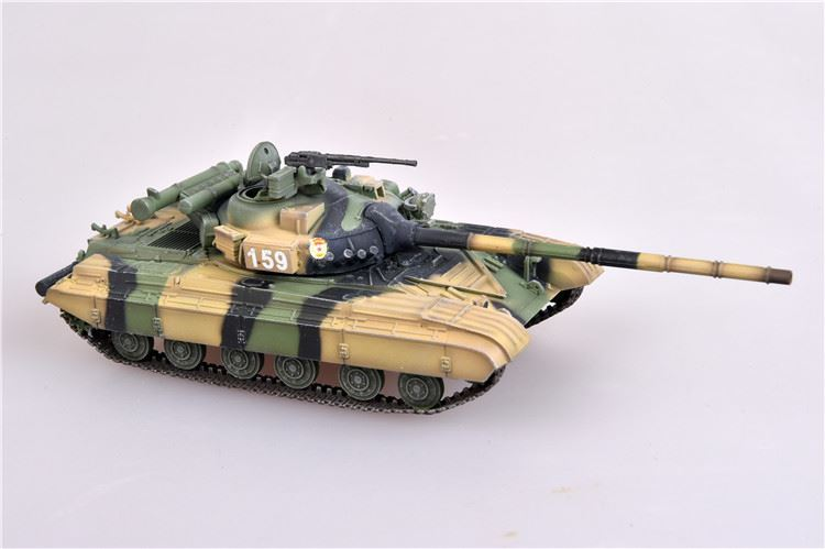 T-64 (T-64A) Russian/Soviet Main Battle Tank 1980s Camo - 1/72 Scale Model by Modelcollect